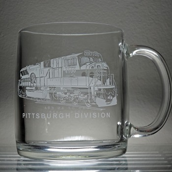 1998 Conrail Pittsburgh Division End of an Era Mug Drinking Glass Etched Railroad Train Collectible Locomotive Caboose - Glassware