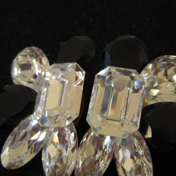 Wendy Gell Earrings - Costume Jewelry