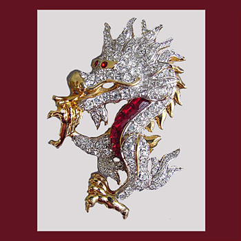 Gorgeous SWAROVSKI dragon brooch with swan logo. - Costume Jewelry