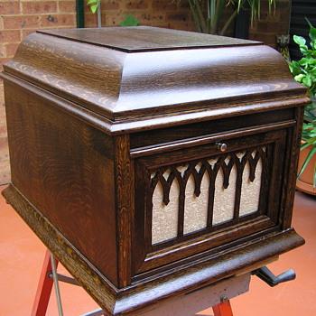 Rexonola 1925 Grand made in Australia - Records