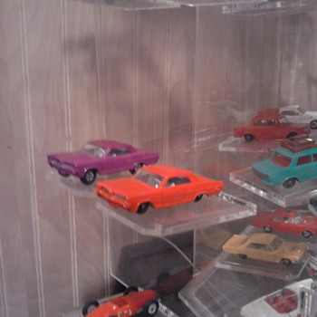 The two Pontiacs...what a difference a set of mag wheels makes... - Model Cars