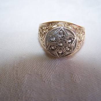 10k Gold Ring with Star and unusual designs