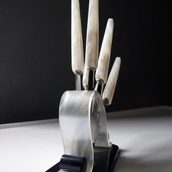 vintage two-tone art deco BAKELITE FRUIT KNIVES  - Art Deco