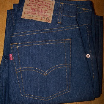 missing the hyphen between the numbers on Levis