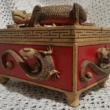 Lizard Carved Trinket Box - Furniture
