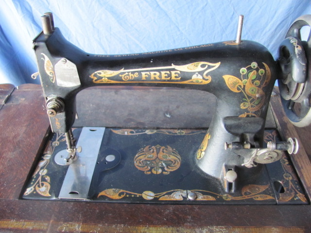 The Free Sewing Machine Co Chicago Collectors Weekly Adorable Complete Sewing Machine Chicago