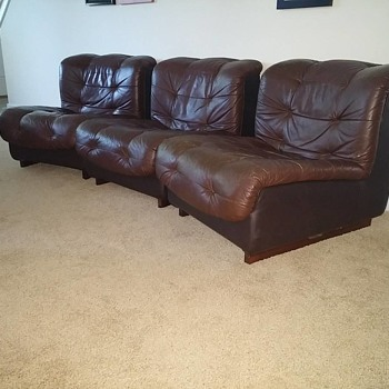 Swedish Leather 8 Piece Sectional