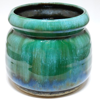 """Yard Sales Find 9 of 10, Blue Mountain Pottery""""Planter"""" Circa 1970 - Pottery"""