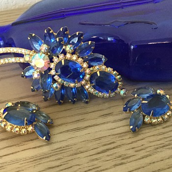 D & E SKY BLUE..to add to the rainbow! - Costume Jewelry