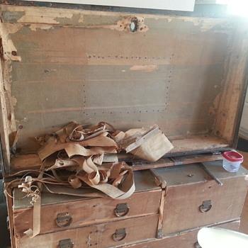 Likly Dresser Trunk Update - Furniture