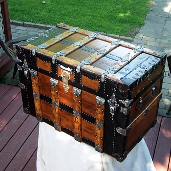 Rare Flat top travel trunk - Furniture
