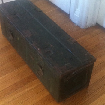 Military ammo case. - Military and Wartime