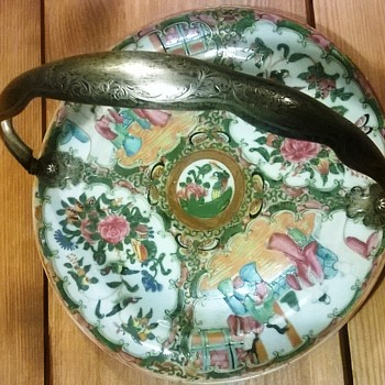 Wonderful dish from a heritage. But what is it? - Pottery