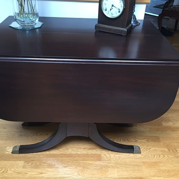 I can't find the manufacturer of this drop leaf table?  - Furniture