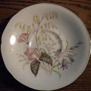 Paragon China Potters TO HER MAJESTY THE QUEEN England pattern id help - China and Dinnerware