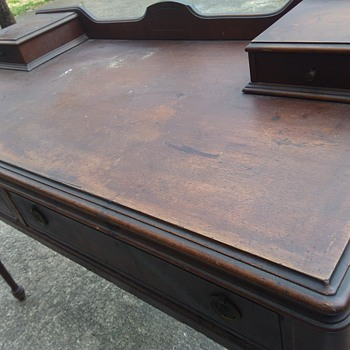 Beautiful vanity or desk with KBC F806 - Furniture