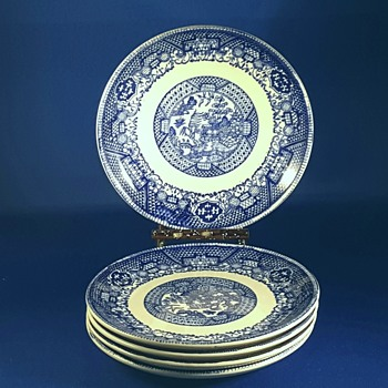 Blue Willow (Non Restaurant,No Trim) BUFFALO pattern - China and Dinnerware