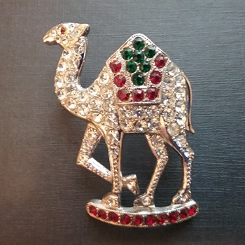 ORA camel brooch  - Animals