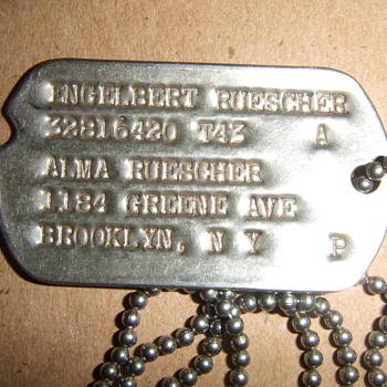 504th Parachute Infantry Regiment (PIR) dogtags and photograph - Military and Wartime