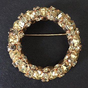 Vintage Warner's Prong Set Rhinestone Circle Brooch - Costume Jewelry