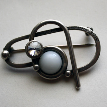 Modernist brooch - Fine Jewelry
