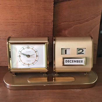 Rensie desk clock. - Clocks