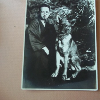 1941 KAMAKURA-shi ,  JAPAN, A  ROBED MAN & HIS  GERMAN SHEPARD DOG. - Photographs