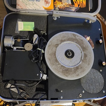 Samsonite Vintage Record Player and Projector - Electronics