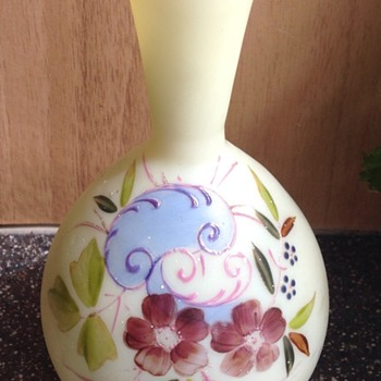 Victorian decorated vase - Art Glass