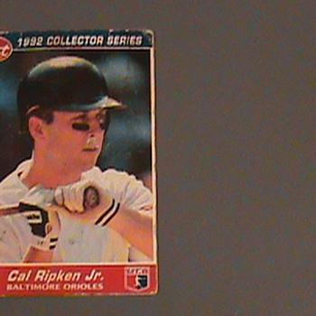 1992-  Post Cereal Cal ripken Jr. Base Ball Card