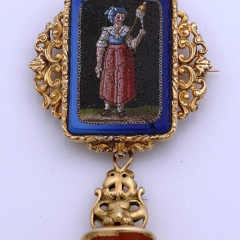 Very Rare 14 K Golden Brooch with Micro Mosaic figure and  hanging 14 K Gold Carved carnelian cachet  - Fine Jewelry