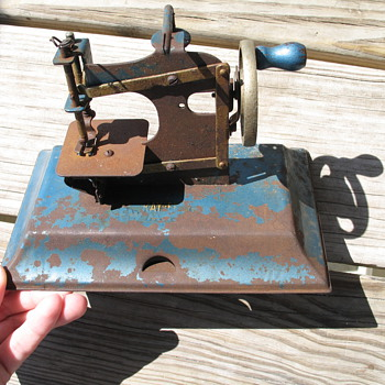 Toy Sewing Machine German Kay EE - Sewing
