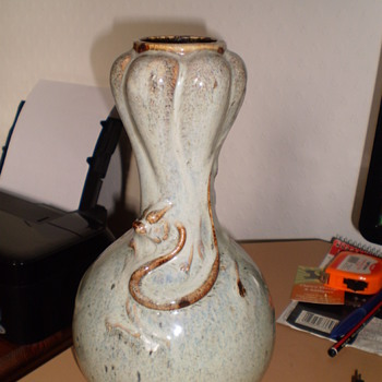 MYSTERY VASE WITH DRAGONS - Pottery