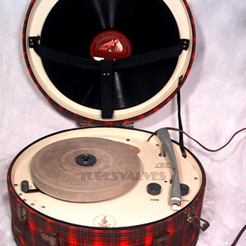 HOOT MON! EMERSON Tartan Plaid Record Player - Electronics