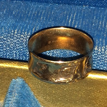 Antique Solid Gold Ring - Fine Jewelry