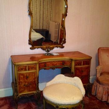 Bedroom set gorgeous - Furniture