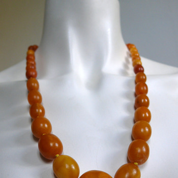 1920-30s- art deco butterscotch necklace