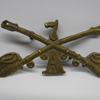 7th Cavalry-A ,Vintage cap badge ? - Military and Wartime