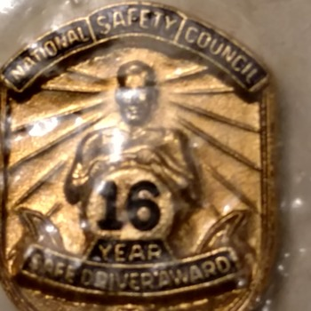16 years safe driving - Medals Pins and Badges