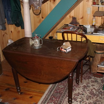Old table .../ photo's - Furniture