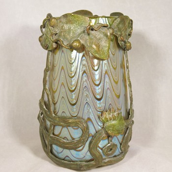Loetz PN 85/3690 Candia PG 6893 vase in bronze mount, for Bakalowits ca. 1899 - Art Glass