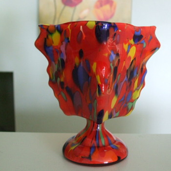 Signed Czechoslovakia KNUCKLE VASE with SPATTER - Art Glass