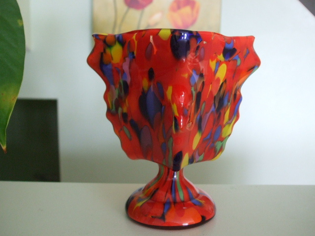Signed Czechoslovakia Knuckle Vase With Spatter Collectors Weekly