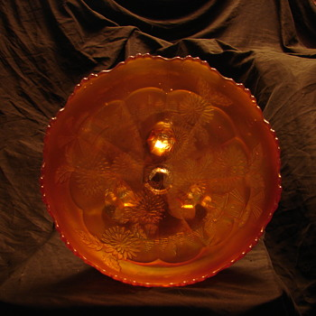 Fenton Chrysanthemum Windmill carnival glass bowl - Glassware