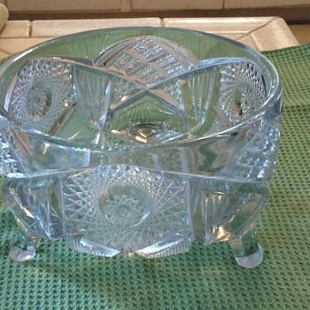 Crystal bowl w feet - Glassware