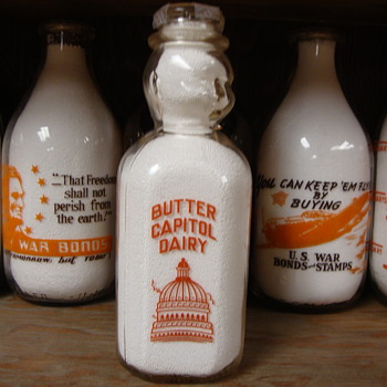 "CHRIST P. KELLER ""BUTTER CAPITOL DAIRY"" BABY TOP MILK BOTTLE...OWATONNA, MINNESOTA - Bottles"