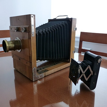 Wooden Field Camera (German?) - Cameras