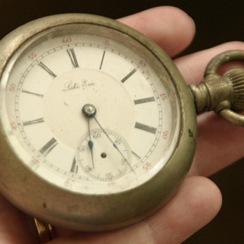 silver (?) heavy men's antique pocket watch with train engraving - Pocket Watches