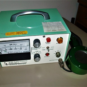 RADIAC  RADIATION METER - Electronics