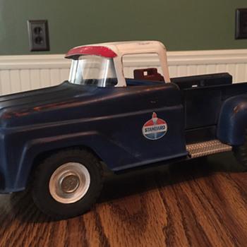 Standard Service Station pick up - Model Cars